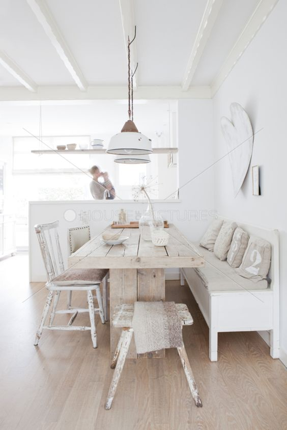 Fresh White Dining Rooms Design_10
