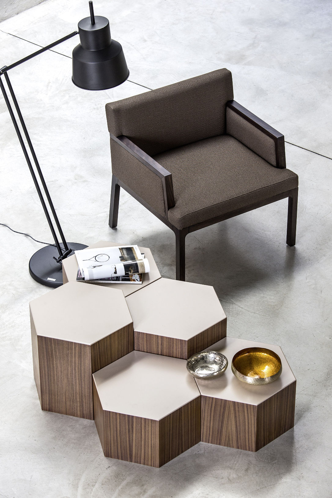 10 Amazing Ways You Can Use Coffee Tables To Enhance your Living Room9