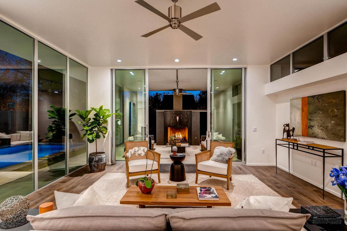 Chic Elegance Of Neutral Colors For The Living Room 10 Amazing Examples: 10 Stunning Living Room Designs That You Will Love
