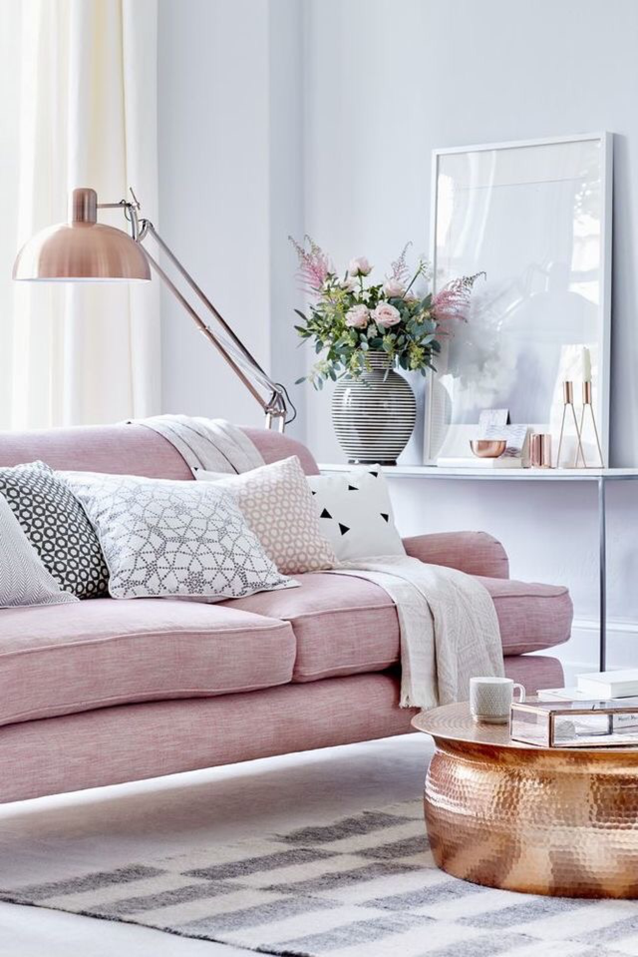 living room 10 Refreshing Ways to Redecorate your Living Room for Summer 10 Refreshing Ways to Redecorate your Living Room for Summer5