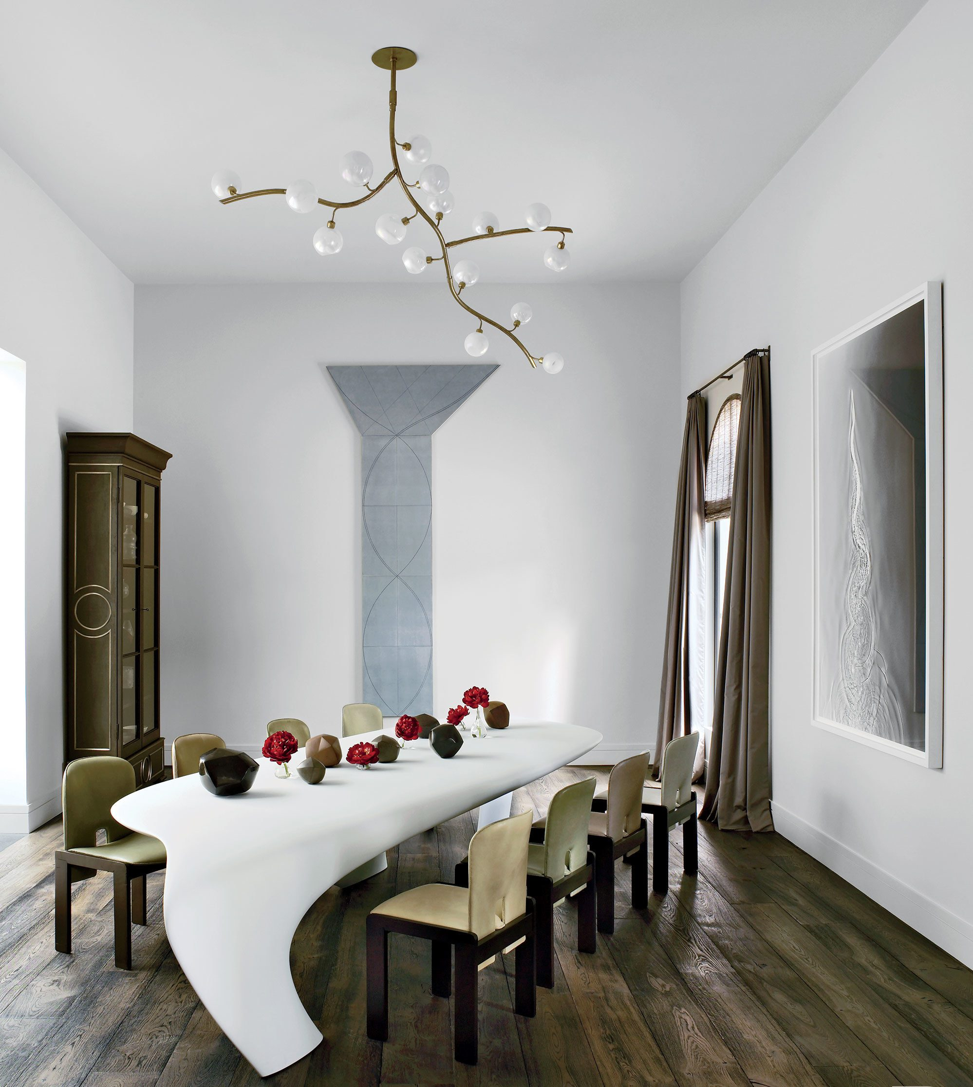 Take a look at the best furniture pieces for your dining for Best dining room looks