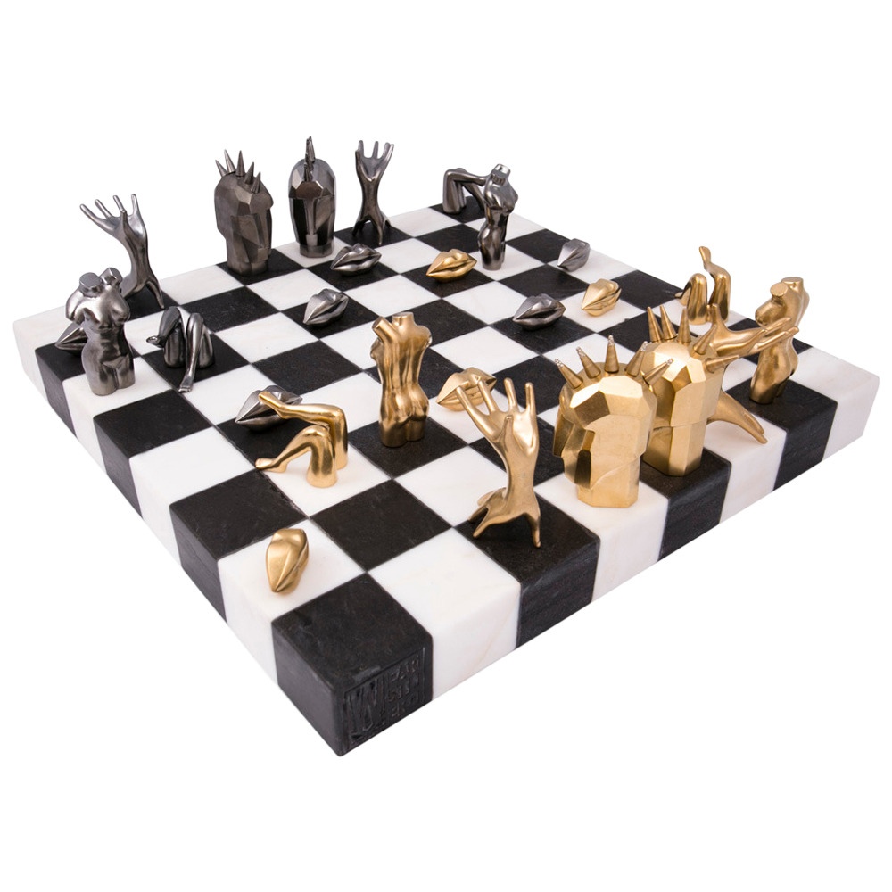 chess board decorative pieces by kelly wearstler 10 Gorgeous Decorative Pieces by Kelly Wearstler 10 Gorgeous Decorative Pieces by Kelly Wearstler2