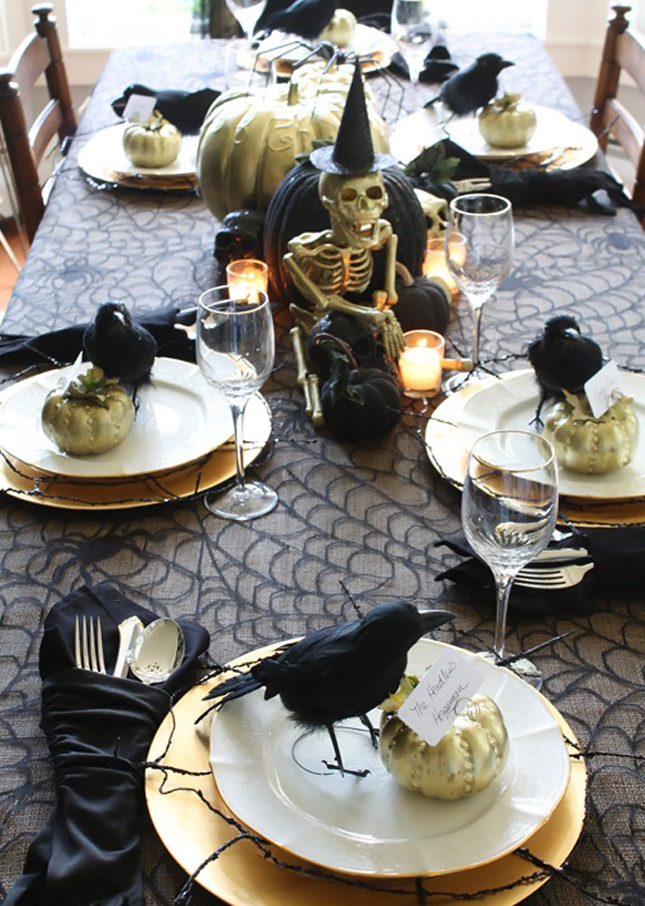 The Best Dining Tables Décor for Halloween  Dining Tables Décor for Halloween The Best Dining Tables Décor for Halloween The Best Dining Tables D  cor for Halloween