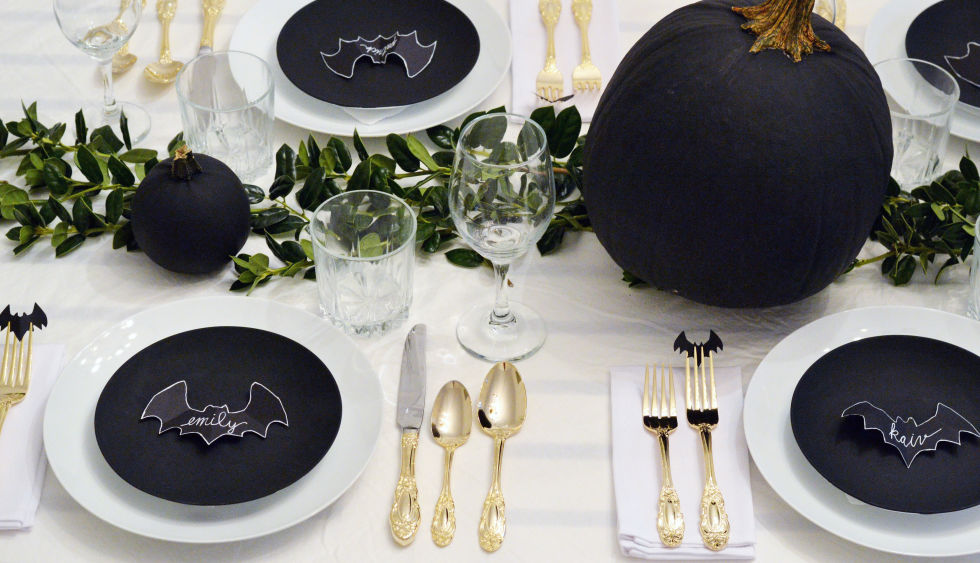 The Best Dining Tables Décor for Halloween  Dining Tables Décor for Halloween The Best Dining Tables Décor for Halloween The Best Dining Tables D  cor for Halloween2
