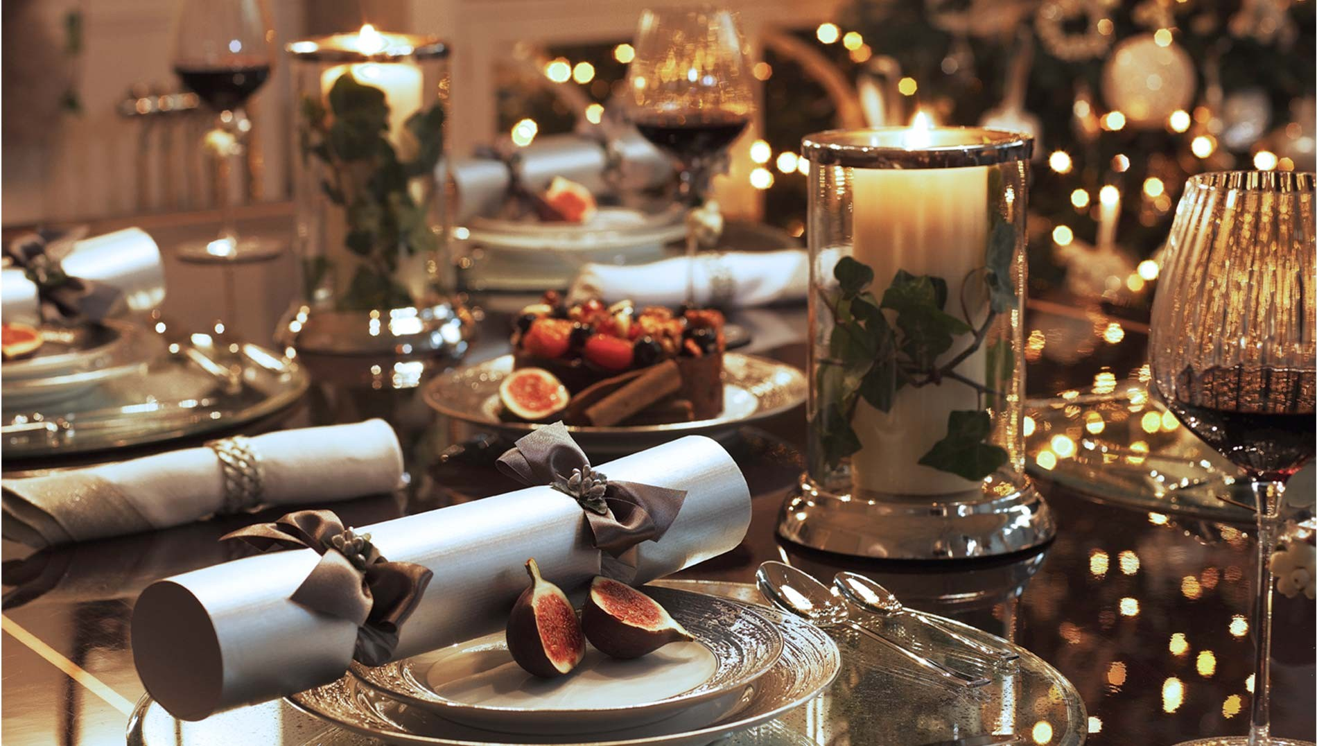 10 Gorgeous Table Settings for Christmas that you Will Love table settings for christmas 8 Gorgeous Table Settings for Christmas that you Will Love 10 Gorgeous Table Settings for Christmas that you Will Love2