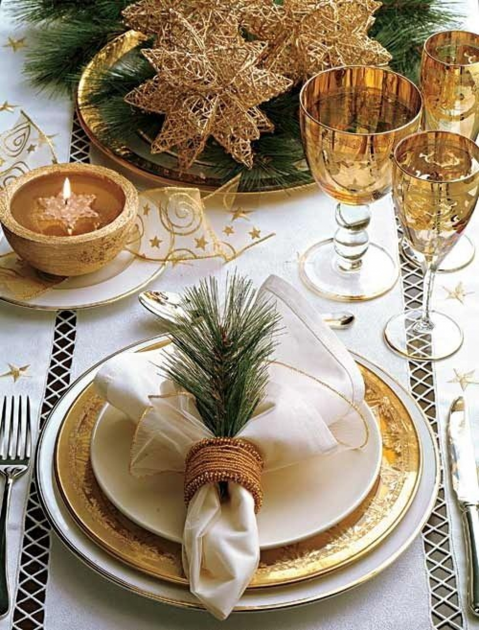 10 Gorgeous Table Settings for Christmas that you Will Love table settings for christmas 8 Gorgeous Table Settings for Christmas that you Will Love 10 Gorgeous Table Settings for Christmas that you Will Love4