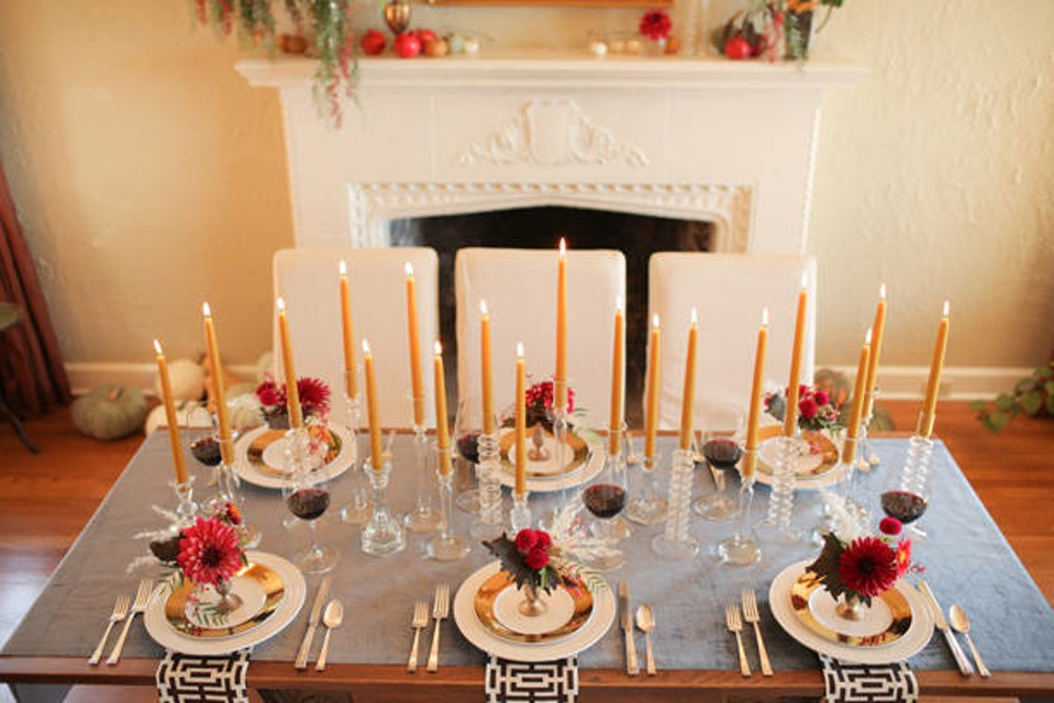 10 Stylish Ways to Decorate your Dining Table for Thanksgiving  Dining Table for Thanksgiving 10 Stylish Ways to Decorate your Dining Table for Thanksgiving 10 Stylish Ways to Decorate your Dining Table for Thanksgiving2