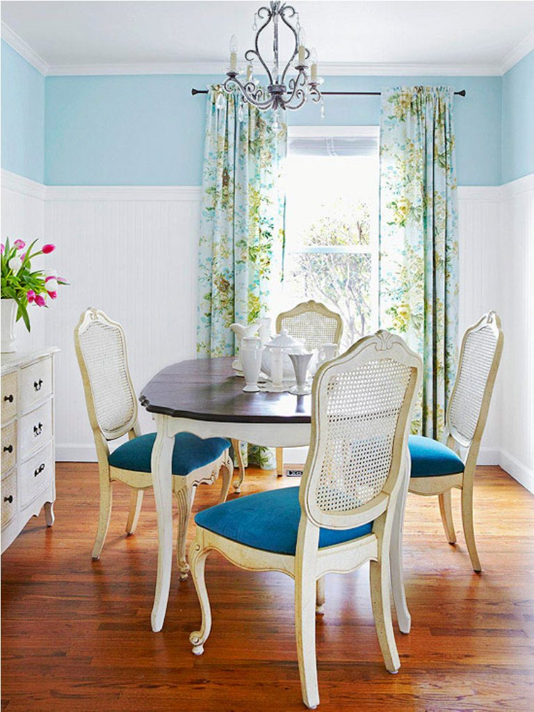 How to make a small dining room look bigger for Dining room space