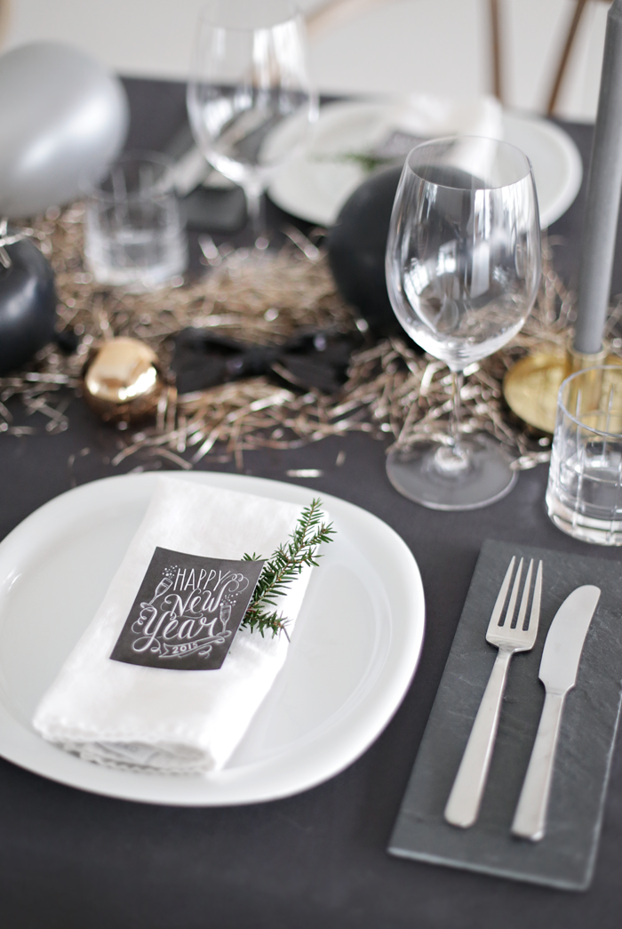 Get a Luxury Table Setting for New Year\'s Eve