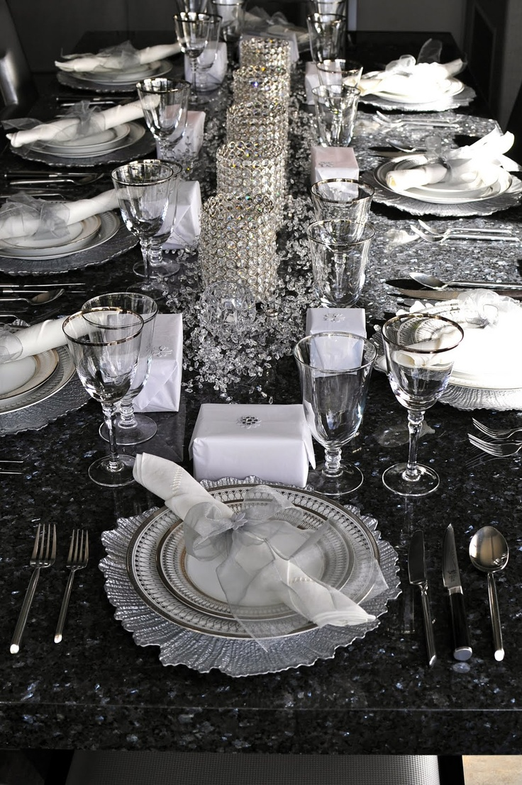 Get a Luxury Table Setting for New Yearu0027s Eve New Yearu0027s Eve Get a Luxury Table : black and silver table settings - pezcame.com