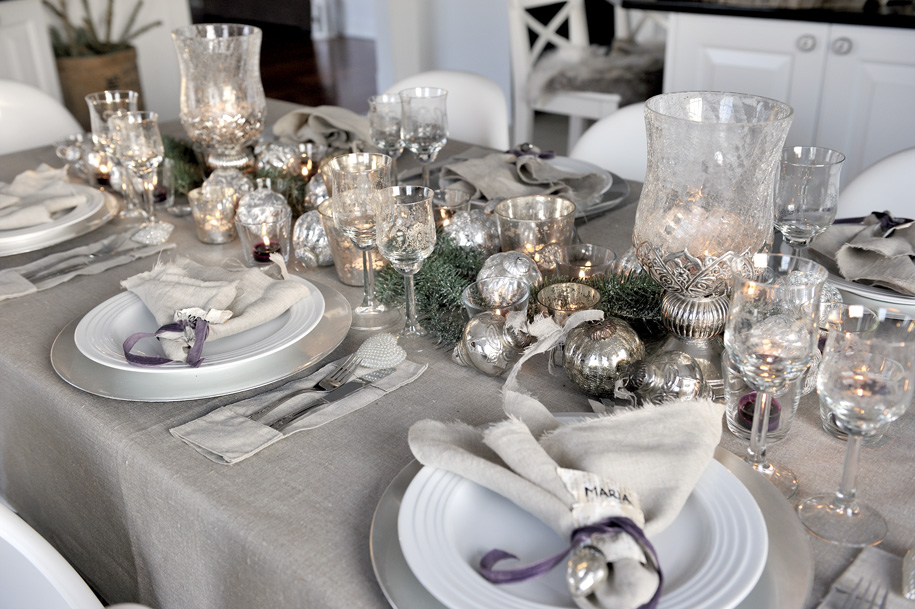 Get a luxury table setting for new year 39 s eve - New year dinner table setting ...