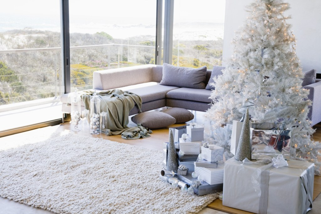 Gorgeous Living Rooms to Get Inspired for your Christmas Decor christmas decor Gorgeous Living Rooms to Get Inspired for your Christmas Decor Gorgeous Living Rooms to Get Inspired for your Christmas Decor