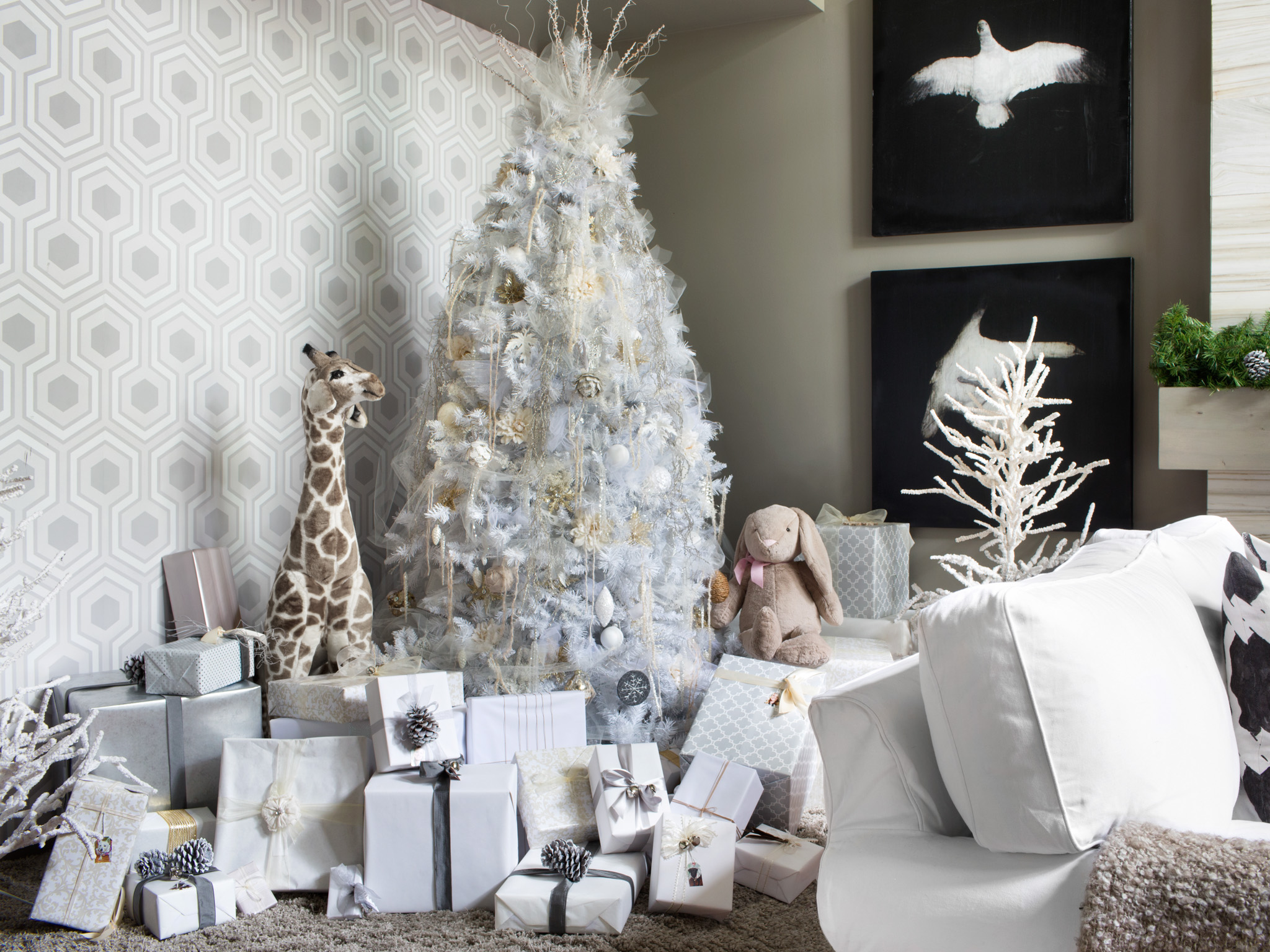 christmas decor Gorgeous Living Rooms to Get Inspired for your Christmas Decor Gorgeous Living Rooms to Get Inspired for your Christmas Decor4