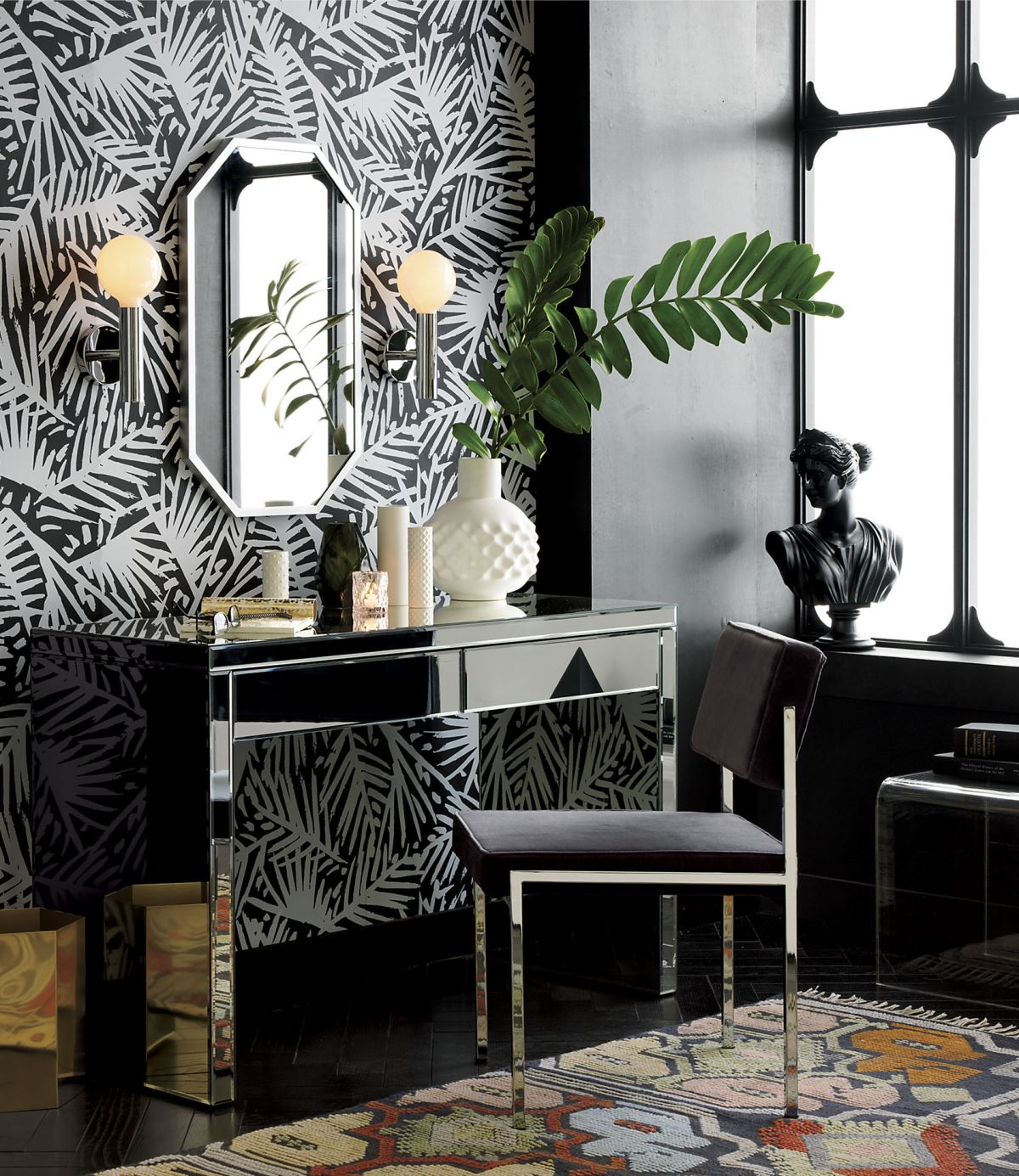 8 luxury home decor ideas with dark furniture pieces