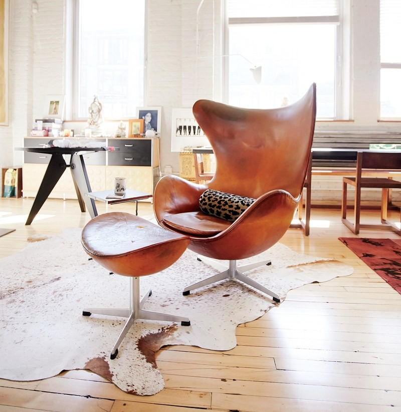 8 Living Room Chairs That Have Become Style Icons of All Times living room chairs 8 Living Room Chairs That Have Become Style Icons of All Times Iconic Living Room Chair 2