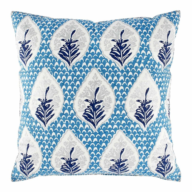 7 Mesmerizing Decorative Pillows for an instant Living Room Makeover decorative pillows 7 Mesmerizing Decorative Pillows for an instant Living Room Makeover Mesmerizing Decorative Pillows 5