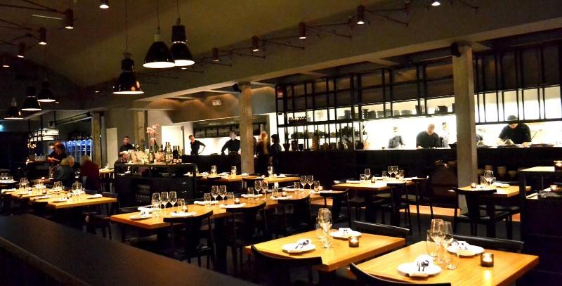 Modern Restaurant Interior Design Ideas That Impress Everyone interior design ideas Modern Restaurant Interior Design Ideas That Impress Everyone Modern Restaurant Interior Design Ideas 3