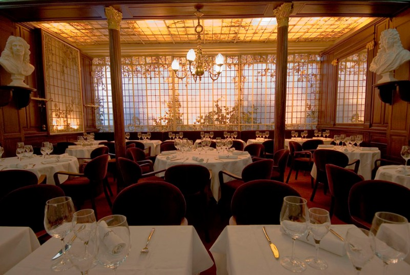 Inspiring Interior Design Ideas from Parisian Historical Restaurants interior design ideas Inspiring Interior Design Ideas from Parisian Historical Restaurants Parisian Restaurants