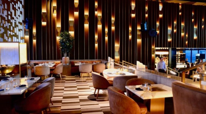 6 Amazing Modern Restaurants to Inspire Your Dining Area Design dining room design 6 Amazing Modern Restaurants to Inspire Your Dining Room Design Modern Restaurants to Inspire Your Dining Room Design 14