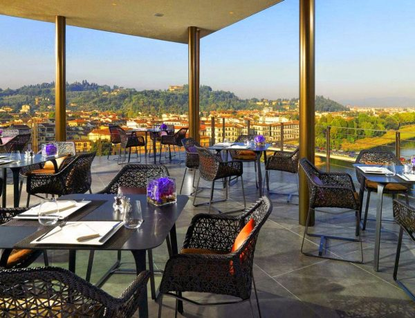 restaurants with a view 10 Restaurants with a View that you will Love 12 Restaurants with a View that you will Love3 600x460