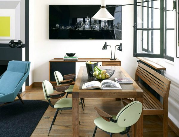modern decor A Mix of Vintage and Modern Decor in a House in the City of Lights House Tour An Eclectic Mix of Vintage Furniture in a Paris Loft 5 1020x1359 1 600x459
