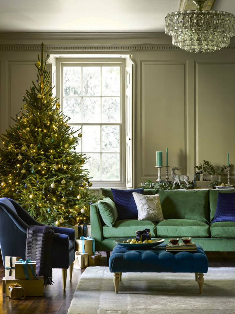 modern sofas Modern Sofas Color Ideas for Your Christmas Decor green sofa christmas